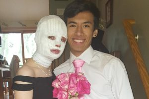 Friends Bring Prom to Illinois Teen After Her Accident 12
