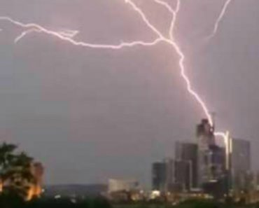 Video Shows Massive Lightning Strike Illuminating Downtown Austin 2