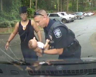Georgia Police Officer Uses CPR to Save Choking Baby 2
