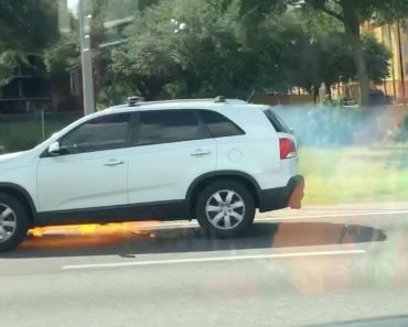 Woman Captures Kia Driving Whilst On Fire 4