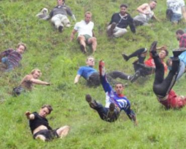The U.K.'S Cheese Rolling Contest Is Pure Carnage 8