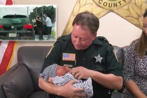 Florida Deputy Reunites with Baby He Delivered in Back of SUV 11
