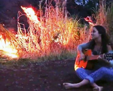 Teen Sings Song to Lava While Evacuating Hawaii Home 7