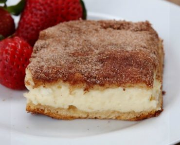 These Cinnamon Sugar Cheesecake Bars Combine Two Of Your Favorite Desserts 5