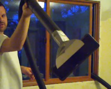 Amazing Trick To Get Rid Of Your Popcorn Ceiling! 5