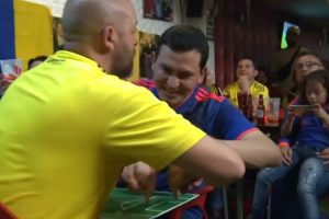 Colombian Man Helps His Blind & Deaf Friend Enjoy the World Cup by Moving His Hands With Each Play 10