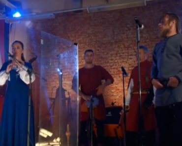 Listen To a Medieval Folk Music Ensemble Play a Metallica Song 7