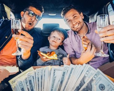 Six-Year-Old Spends $1,000 On The Best Day Ever 6