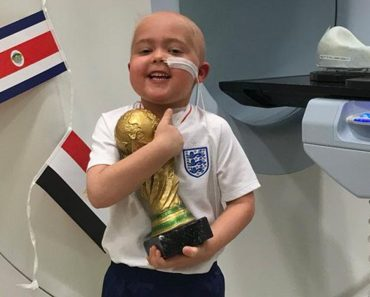 5-Year-Old With Brain Cancer Awarded Special World Cup Trophy for Bravery 9