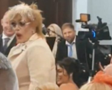 Hilarious Moment Drag Queen Interrupts Wedding Singing 'It Should Have Been Me!' 9
