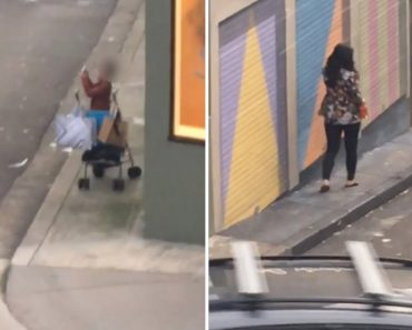Toddler Seen Photographing Mom Causes a Stir 3
