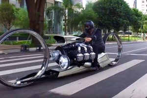This Crazy Hubless Motorcycle Is Powered By An Airplane Engine 12