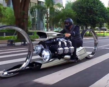 This Crazy Hubless Motorcycle Is Powered By An Airplane Engine 8