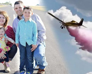 Texas Couple's Epic Gender Involves Colored Water Dropped From Airplane 1