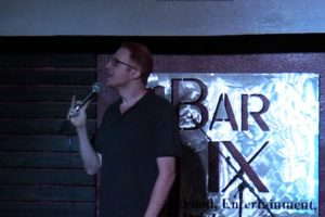 Comedian Destroys Heckler Who Got Offended At His Jokes About Parenting 11