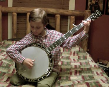 Little Kid From Jersey Shreds The Banjo 4