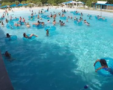 Lifeguard Rescue Panicking Non-Swimmer Who Slipped Out Of His Inflatable Ring...But Would You Have Spotted Him? 9