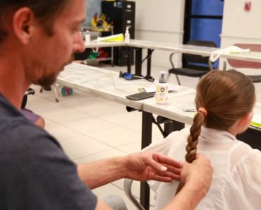 Dads Learn How To Style Their Daughter's Hair At This Class 7
